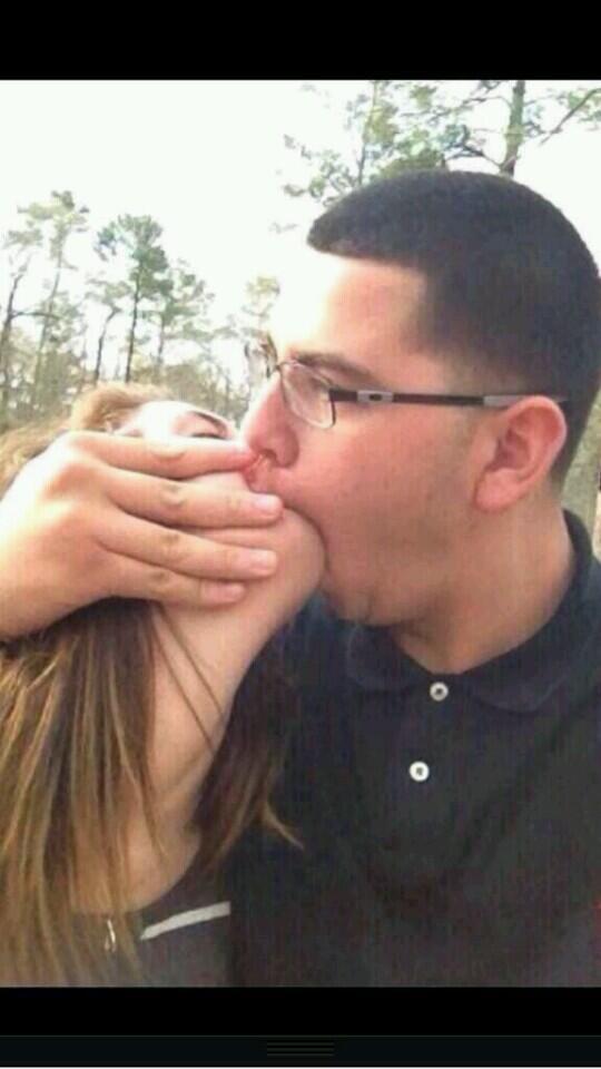 baby i just wanna kiss ya heart #RealNiggaForThe14 http://t.co/qcDgPBNhdA