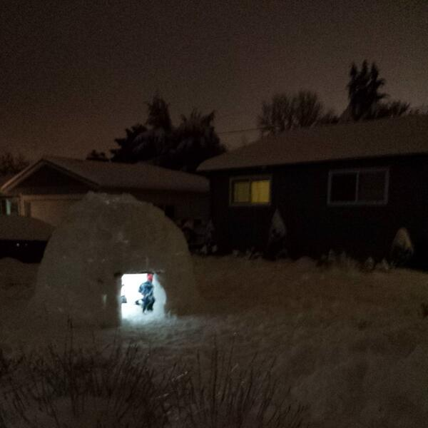 Now that's cool! RT @6lalas: @SaleskyKATU my husband and boys built and slept in this igloo! http://t.co/JSKDTTrQY0