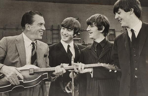 Feb. 9 - The Beatles make their live American television debut on the Ed Sullivan Show. http://t.co/LfNrwGQgKb http://t.co/Xy0ZWcscpQ