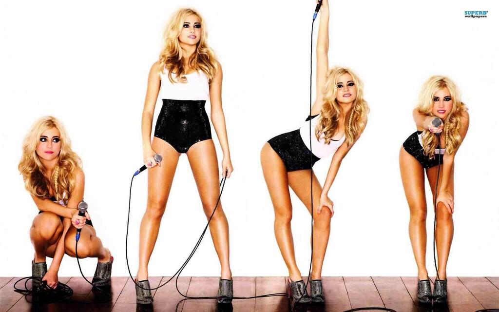 FAF lady of the day. Pixie ace legs Lott http://t.co/gNqb3fuU2d