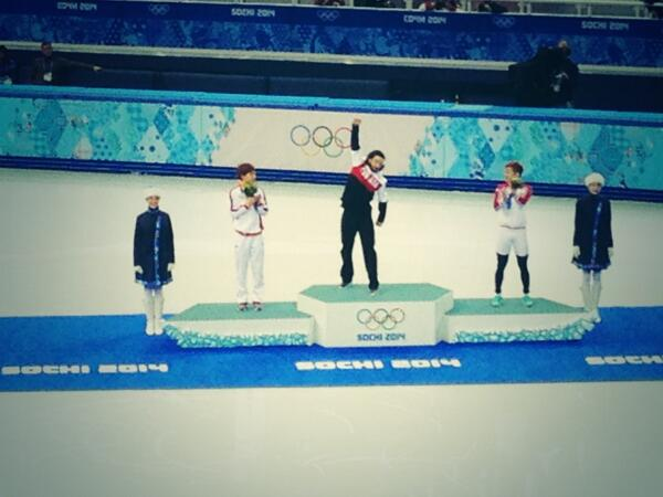 Owning that podium, Canada's @Speedskater01 Charles Hamelin. Good morning, eh Canada? #cbcolympics http://t.co/dft48ZD5N8