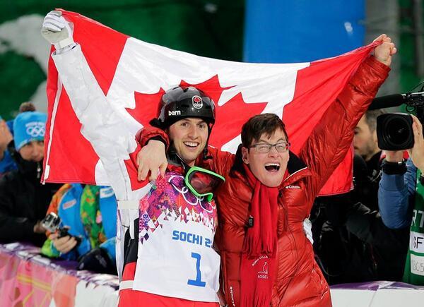 Beau moment! #JO RT @CLambert22: Une image vaut mille mots #Adorable #Sochi2014 #Québec #MadeinCanada http://t.co/hLDDry14vW