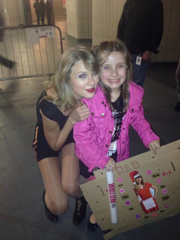 the angelic Taylor Swift & my niece. http://t.co/ki4xoGuMd7