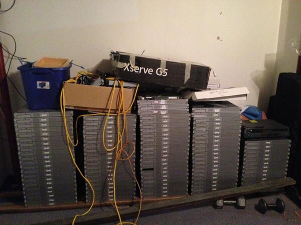 Anyone want an Xserve G5… or 20? Seriously. A friend has stacks of them, as you can see in... http://t.co/cNTXZJTgnV http://t.co/cU8cgoe46P