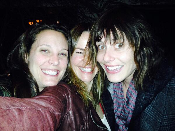 """@katemoennig @Erincdu """"No Kate you look totally normal in this picture"""" http://t.co/BsDlFO7KTe"""