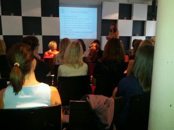 Rebekah Campbell pitched http://t.co/LYtiwBWA2N 700 times in one year #smwomen http://t.co/LUWuO8y6nW