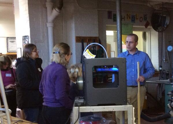 #emsvt Design and Tech teacher explaining 3D printing during our Open House #bsdvt #1:1 # http://t.co/Z59KXCWpBa