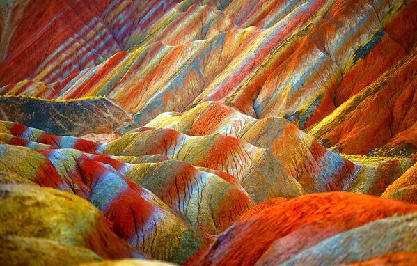 """شبكة الامارات الاخبارية 🇦🇪 on Twitter: """"صورة : تلال دانكسيا الملونة في  تشانغيه, الصين. http://t.co/BkjOBkMJaf"""""""""""