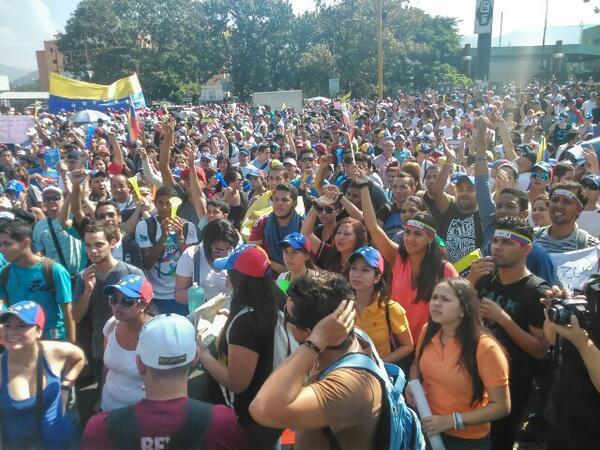 Protestas en Venezuela, salgamos de Maduro. fotos