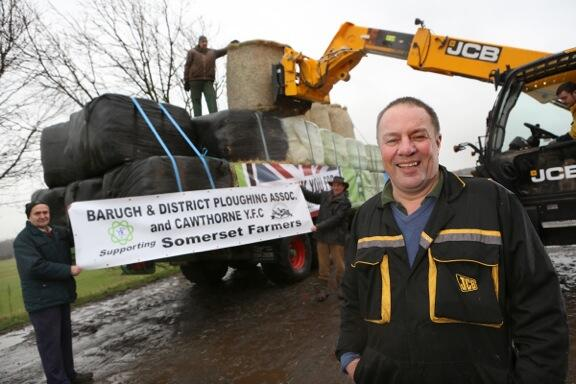 PIC: Yorkshire farmers prepare to drive 225 miles by tractor to take #ForageAid to #SomersetFloods (pic: @NFUtweets) http://t.co/ek9VF3K7cI