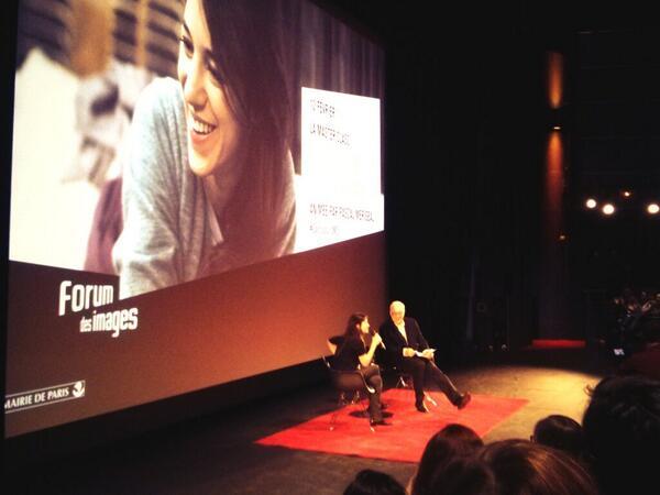 La Master class Charlotte Gainsbourg débute @forumdesimages #GainsbourgMC http://t.co/JTOWk5rCFX