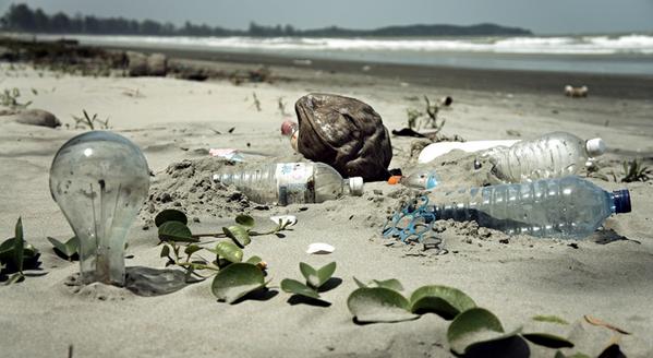 In Peru, beach cleanup scheme helps disadvantaged people become entrepreneurs -- http://t.co/mAHlw7VgjK @PlasticBank http://t.co/cvszN1QIjv