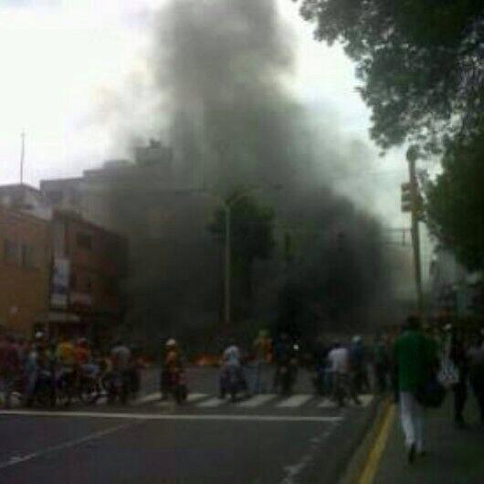 """""""@RCTVenlinea: Lanzan perdigones a protestas en Valera. http://t.co/B9K2SzTY6K vía @Amatxina"""""""