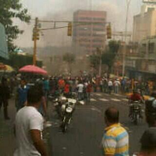 En #Valera estado Trujillo se presentan disturbios a esta hora #12F http://t.co/G0vJHMD039