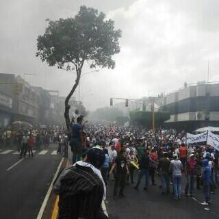 #12FDespiertaVenezuela Disturbios en Valera Edo Trujillo! Y nadien lo sabe xq el Inmaduro Encadenado☹ http://t.co/VqLKIl3sud