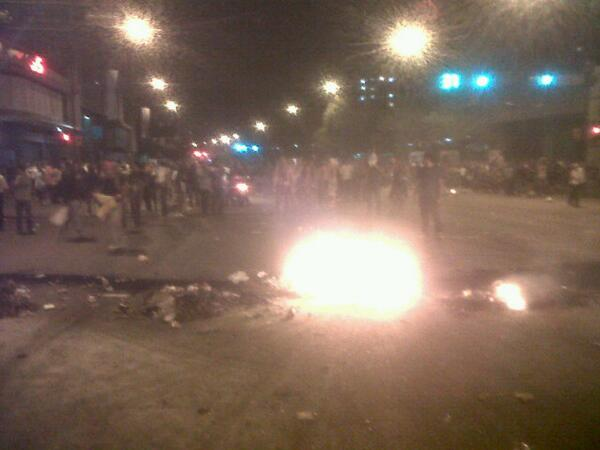 Arde Chacao 7:21pm #FOTO >>>>>>>> http://t.co/mgWv1G1EDB