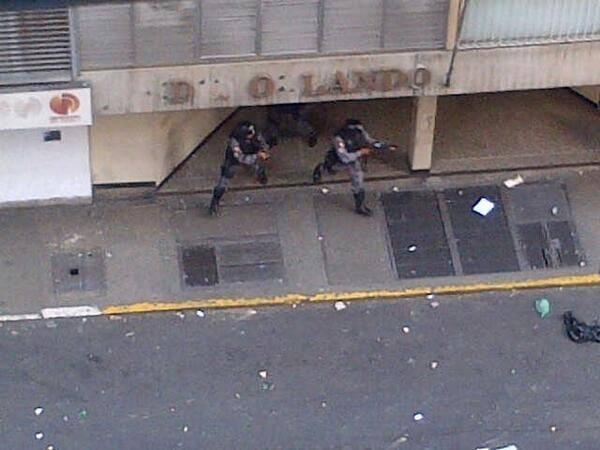 @CNNEE  Situación en el centro de Caracas http://t.co/JMeVuFqvEb
