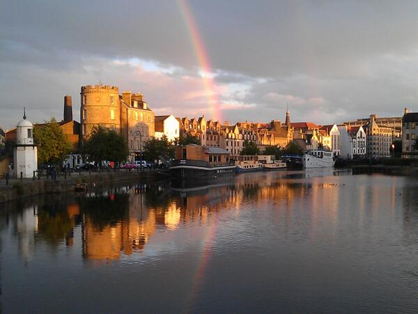 A3. A romantic spot on my doorstep oh Leith we love it! #EdinHour http://t.co/uOGtiqwonk