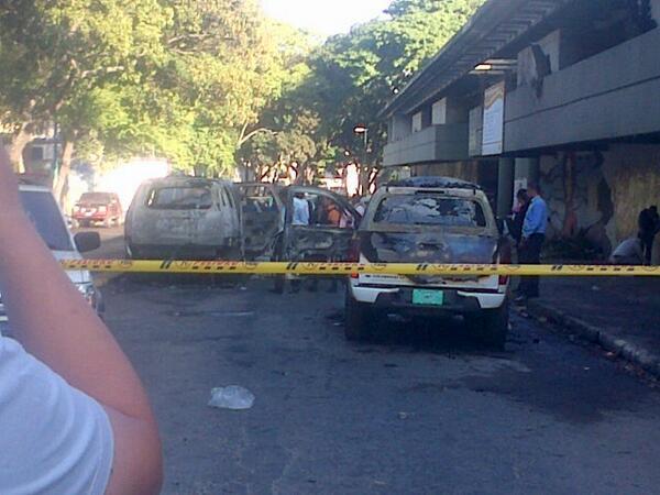 Violencia Fascista en Venezuela BgUIJKPCMAEv_ae