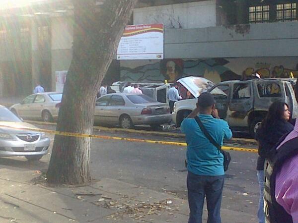 Violencia Fascista en Venezuela BgUITzFCYAA9ue8