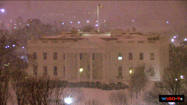 RT @hbwx: White House in the Snow at 4 AM http://t.co/xCc8IuagG7