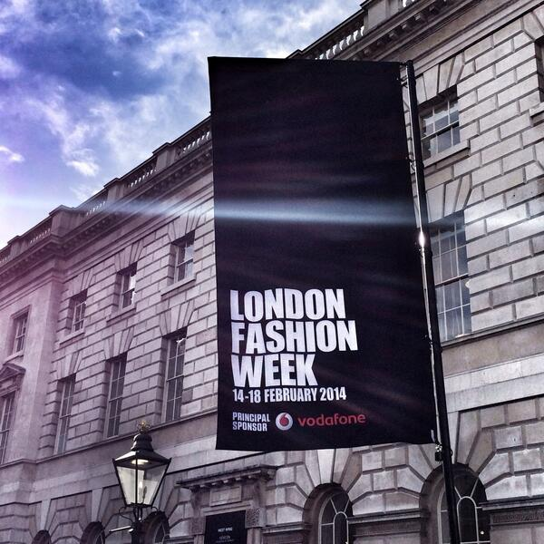 Countdown in hours to @LondonFashionWk -- and the sun has come out #LFW http://t.co/j1eXhTblxs