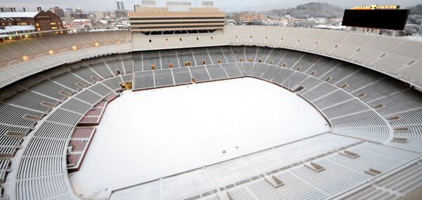 #VolNation send us your snow photos showing your #Vols pride! http://t.co/fsG9wPGnbp
