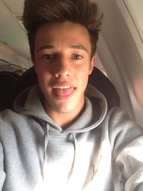 I'm going to be on the plane all day so RT this & when I land I'll follow a TON of you! ☺️