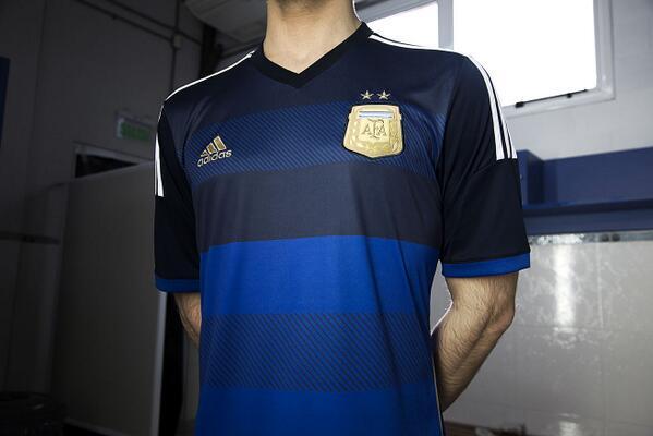 Аргентинцы показали форму для Мундиаля (Фото) - изображение 1