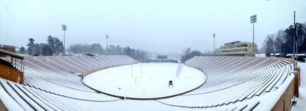 A snow-covered Wallace Wade Stadium. #dukesnowday @Duke_FB #pano http://t.co/Z1Pn0Xbc81