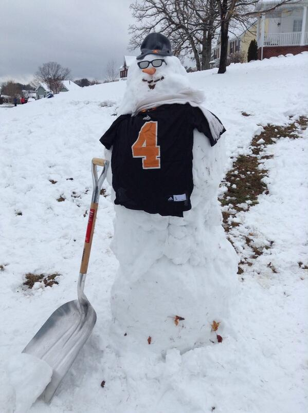 @Vol_Football Rocky Top snowman wearing a Gerald Jones 2009 black alternate jersey! #VFL http://t.co/MDXYiYYwB8