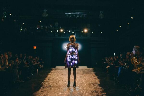 Gorgeous @CuteCircuit pics from #NYFW2014 with @shotartsy @MBfashionweek http://t.co/3UkuXuZdrY http://t.co/mV8rpfbyf2