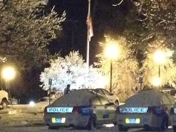 Special thanks to #Duke Police who were out on patrol last night and snapped this #DukeSnowDay pic. http://t.co/NdNkIDDiju