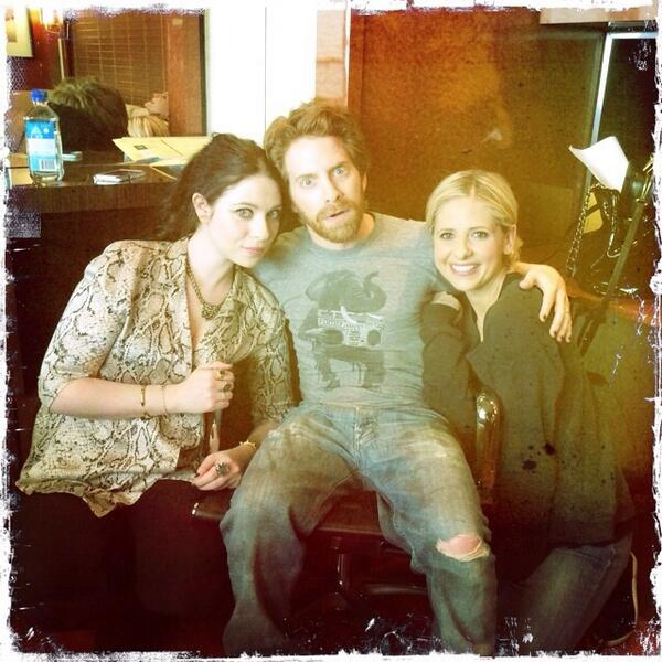 .@SethGreen @RealMichelleT I get the best visitors http://t.co/v9OjJDCJYE