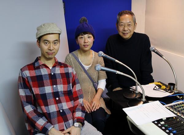 本日(2/14)の「moonlight magic」のゲストは、「ハンバート ハンバート」の佐野遊穂さんと佐藤良成さんのお二人です。 三人の男の子のお母さんとお父さんになった今、二人の出会いからゆっくりと話してもらいました。 http://t.co/MOPzKB9Vbp