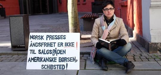 Foreslår statsstipend til Azmeh Rasmussen for å hindre at viktig stemme forstummer http://t.co/vR919YCi97 http://t.co/Faly7ZkZsW
