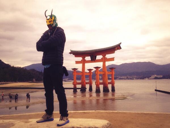 Cool shrine, cool life. http://t.co/Q0JjGdkVmw