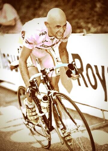 Hoy hace 10 años que nos dejo un trozo importante de la épica e historia del ciclismo mundial. il Panta...!!! http://t.co/MKKY6LcL0v