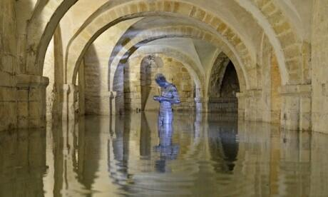 What a pic! The crypt of Winchester Cathedral flooded. #floods http://t.co/e0WptzeAsg