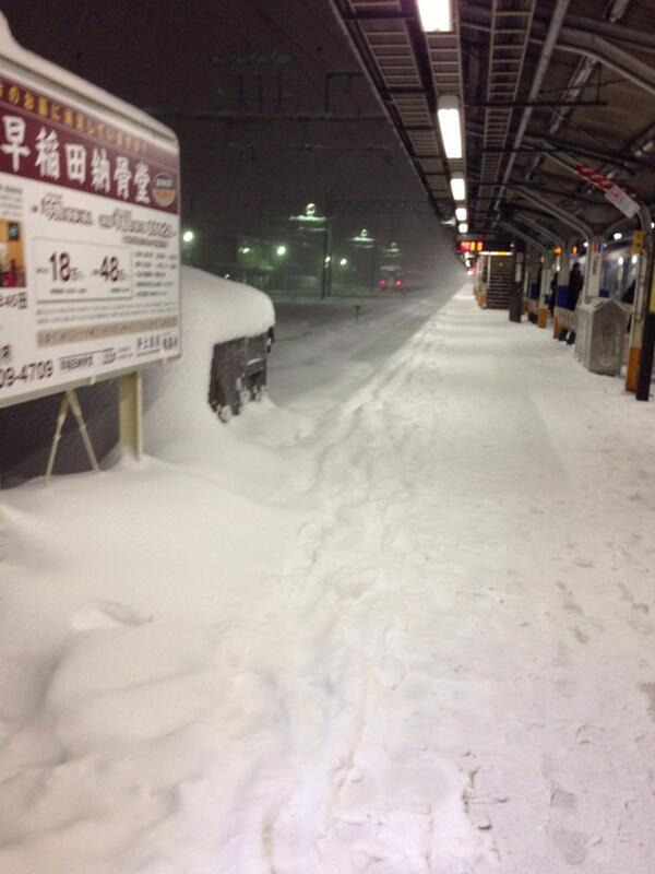 高尾駅のホームらしいですよ。 http://t.co/BiyQoCJcUn