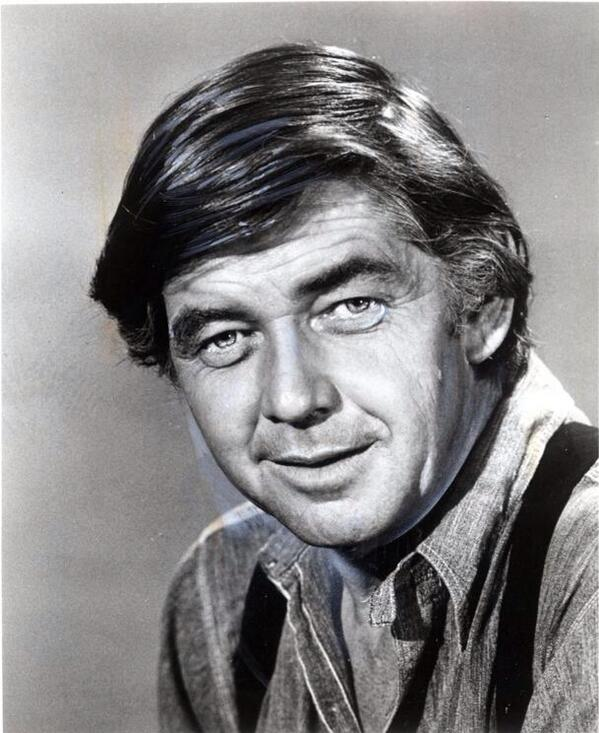 "Good-bye Mr. Ralph Waite. RIP. Your ""Father Matt"" always gave me great advice on love. #TheWaltons #Days http://t.co/TCnIXmdsIm"