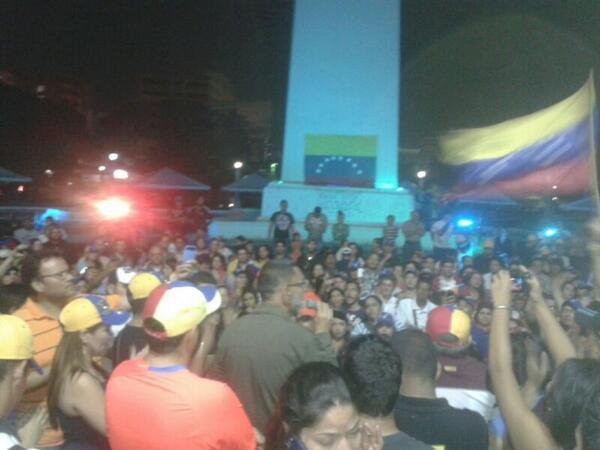 Venezuela - Caos - Maracaibo BgehUEnIgAAmd6F