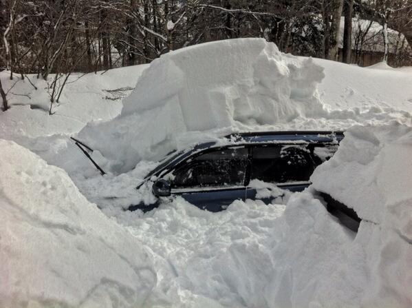 どーすりゃいい?食糧が尽きるまでには除雪車来てくれないと困る。@山中湖村 http://t.co/ePbCM6LPe3