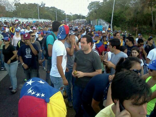 #Tachira, Somos Gochos pero no PENDEJOS! #NoCreemosEnTuPazMaduro #15FVnzlaEnlaCalleNicolásPaElCoñoTeVas http://t.co/L71eHjlTqJ