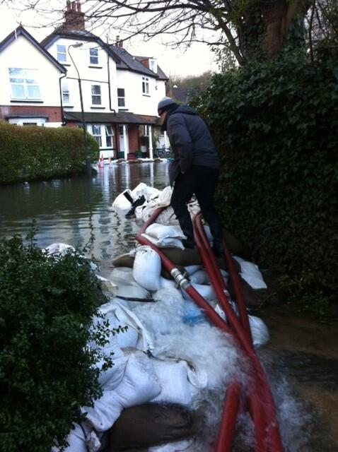 Seems army did brilliant job with the sandbags allowing LFB space to hold the water at bay - fantastic team effort http://t.co/mdQtRO7rHE