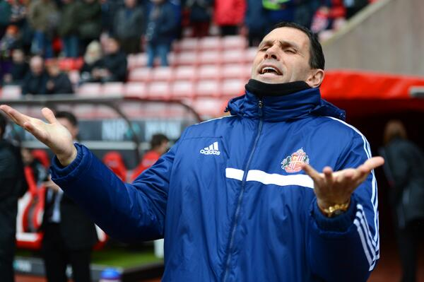 Sunderland boss Gus Poyet isnt happy with what hes seeing at the Stadium of Light