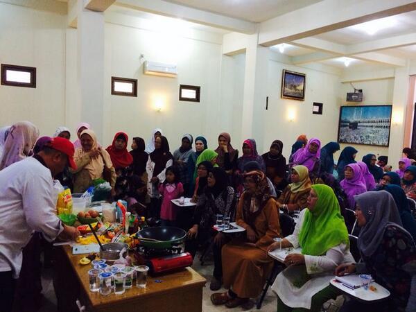 Peserta Sekolah Ibu yang hadiri Demo Masak
