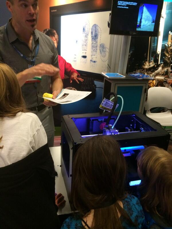 3D printing at #FamSciDays #AAASmtg http://t.co/pXwOWXSXfB