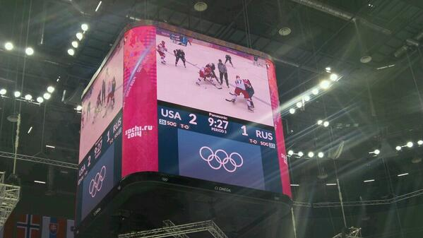 #TeamUSA takes the lead after goal by Pavelski. #USAvsRUS http://t.co/0cdnf2yV8A