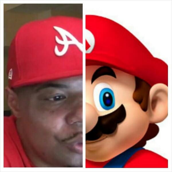I swear @UnbiasReview and Mario look alike in this picture. http://t.co/8GV6eAMEra